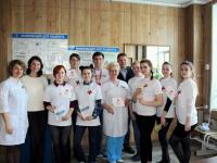 Центр медицинской профилактики поддержал волонтеров из Боровичей в День Здоровья