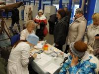 Посетители торгового центра получили возможность пройти медицинское обследование